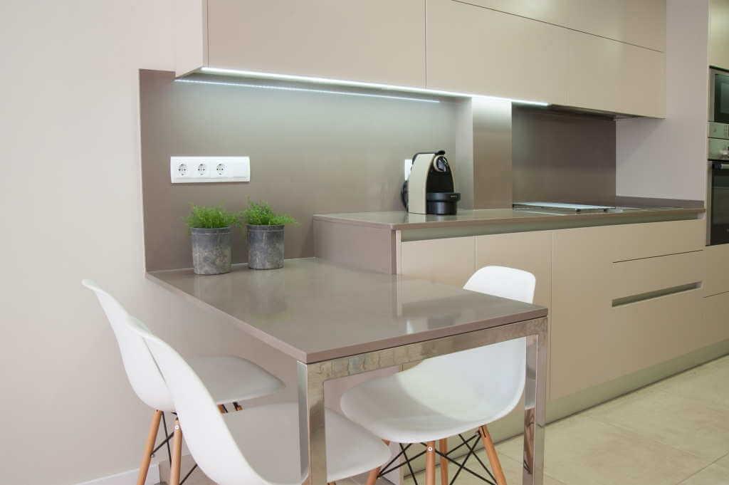 cocinas con azulejos beige dise os arquitect nicos