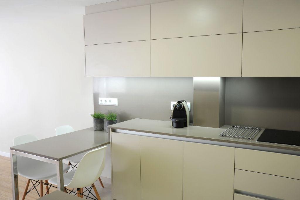 Tpc cocinas elegir el color de los muebles de cocina for Colores de muebles de cocina