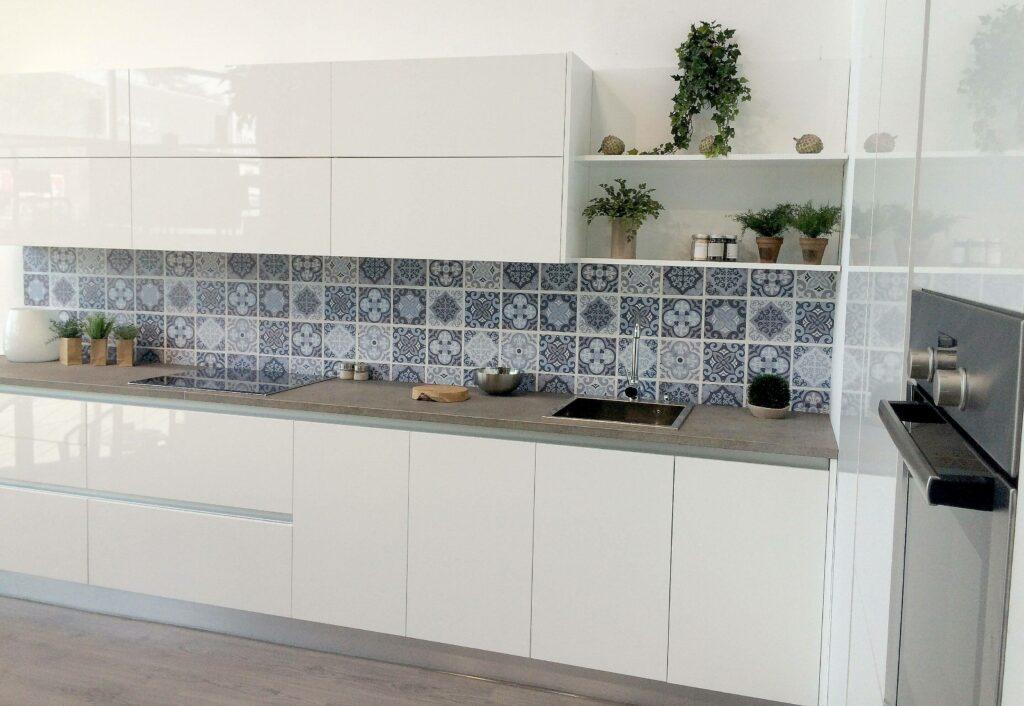 Tpc cocinas crystal blanco - Paneles decorativos para cocinas ...