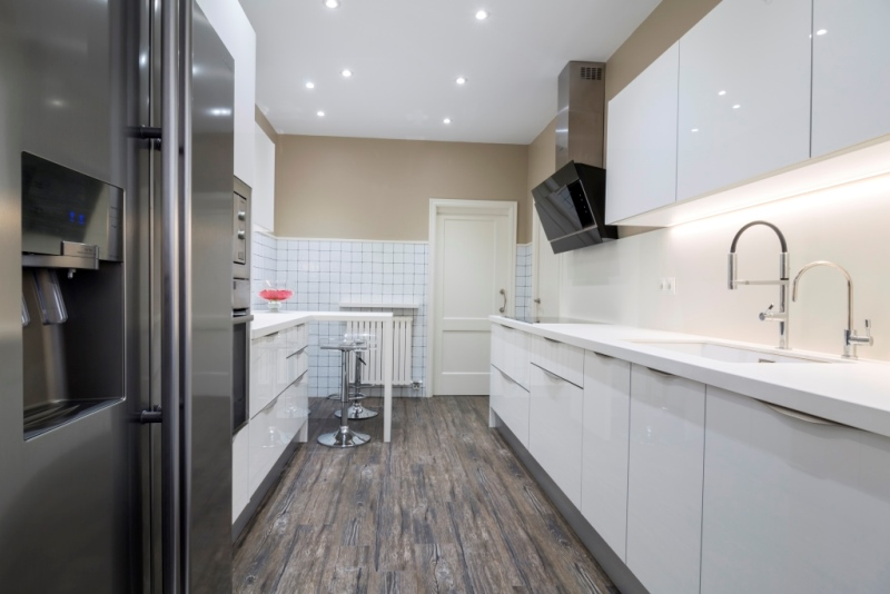 Tpc cocinas suelos para cocinas for Cocinas con suelo gris oscuro